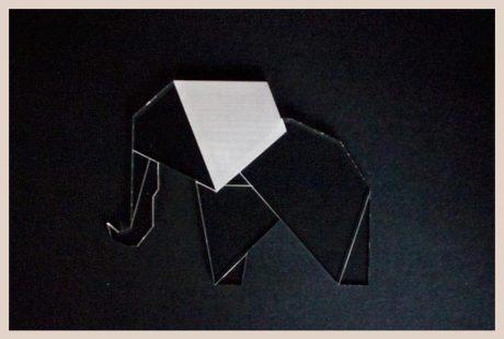 Una_Pagina_en_Blanco_catalogo_AR_coleccion_permanente_posavasos_zoo_elefante
