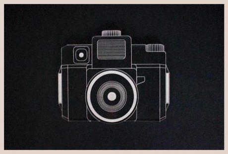 Una_pagina_en_blanco_catalogo_AR_coleccion_permanente_posavasos_camaras_H