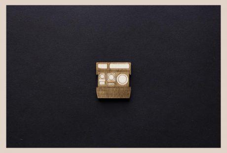 Una_Pagina_en_blanco_catalogo_AR_coleccion_permanente_broches_camaras_II_P
