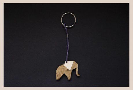 Una_Pagina_en_blanco_catalogo_AR_coleccion_permanente_llaveros_zoo_II_Elefante
