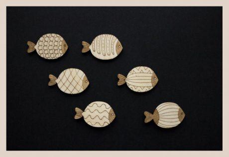 Una_Pagina_en_blanco_catalogo_AR_coleccion_temporada_verano_bajo_el_mar_broches_peces_claros